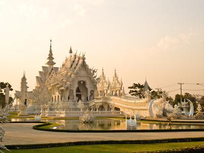 https://imgc.allpostersimages.com/img/posters/wat-rong-khun-at-chiang-rai-thailand_u-L-Q1038570.jpg?p=0