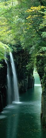 https://imgc.allpostersimages.com/img/posters/waterfall-miyazaki-japan_u-L-PNV3K70.jpg?p=0