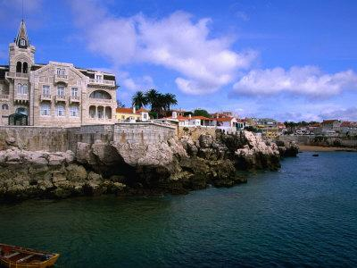 https://imgc.allpostersimages.com/img/posters/waterfront-mansion-cascais-portugal_u-L-P3SBSL0.jpg?p=0