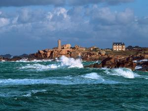 Waves breaking on coast, Ploumanac'h Lighthouse, Pink Granite Coast, Cotes-d'Armor, Brittany, Fr...