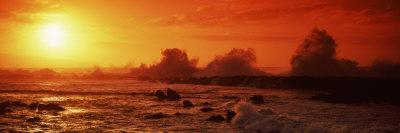 https://imgc.allpostersimages.com/img/posters/waves-breaking-on-rocks-in-the-sea-three-tables-north-shore-oahu-hawaii-usa_u-L-P8XK3J0.jpg?p=0