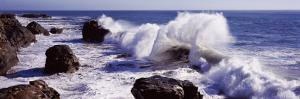 Waves Breaking on the Coast, Santa Cruz, Santa Cruz County, California, USA