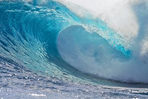 Waves in the Ocean, Tahiti, French Polynesia