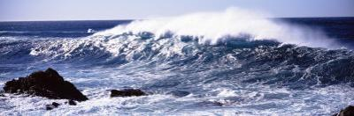Waves in the Sea, Big Sur, California, USA