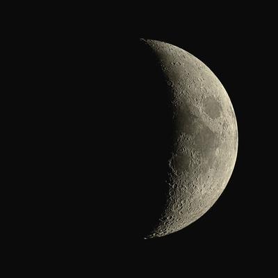 https://imgc.allpostersimages.com/img/posters/waxing-crescent-moon_u-L-PKUEJB0.jpg?artPerspective=n