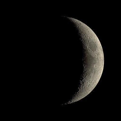 https://imgc.allpostersimages.com/img/posters/waxing-crescent-moon_u-L-PZHJHK0.jpg?artPerspective=n