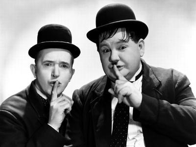 https://imgc.allpostersimages.com/img/posters/way-out-west-stan-laurel-oliver-hardy-1937_u-L-Q12PAXE0.jpg?artPerspective=n