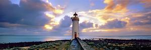 Port Fairy Lighthouse 3 by Wayne Bradbury