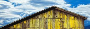 Weathered Wooden Barn, Gaviota, Santa Barbara County, California, Usa