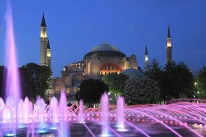 Hagia Sophia (Aya Sofya) at night, UNESCO World Heritage Site, Sultanahmet Square Park, Istanbul, T by Wendy Connett