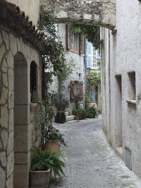 St. Paul De Vence, Medieval Village, Alpes Maritimes, Cote D'Azur, Provence, France, Europe by Wendy Connett