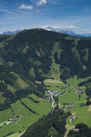 https://imgc.allpostersimages.com/img/posters/werfenweng-salzburg-state-bischling-bischling-mountain-railway-pongau_u-L-Q11YTX90.jpg?p=0