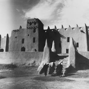 The Great mosque at Djenne by Werner Forman
