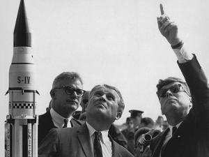 Wernher Von Braun Explains the Saturn Launch System to President Kennedy, Nov. 16, 1963