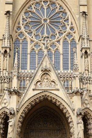 https://imgc.allpostersimages.com/img/posters/west-facade-metz-cathedral-metz-lorraine-france_u-L-Q1GYH8S0.jpg?artPerspective=n