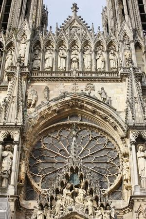 https://imgc.allpostersimages.com/img/posters/west-front-of-reims-cathedral-reims-marne-france_u-L-Q1GYK4V0.jpg?artPerspective=n