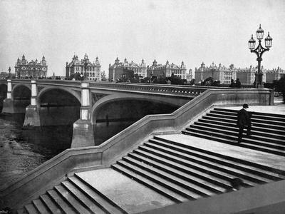 https://imgc.allpostersimages.com/img/posters/westminster-bridge_u-L-Q107MAP0.jpg?p=0