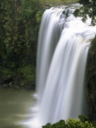 https://imgc.allpostersimages.com/img/posters/whangarei-falls-whangarei-northland-new-zealand_u-L-P2TA0E0.jpg?p=0
