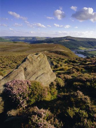 https://imgc.allpostersimages.com/img/posters/whinstone-lee-tor-and-derwent-moors-derwent-edge-peak-district-national-park-derbyshire-england_u-L-P2R1S60.jpg?p=0