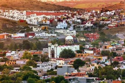 https://imgc.allpostersimages.com/img/posters/white-church-san-miguel-de-allende-mexico-miramar-overlook-houses_u-L-Q1D0KGP0.jpg?artPerspective=n