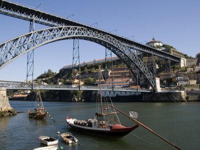 Dom Luis 1 Bridge over the River Douro, Cais De Ribeira Waterfront, Oporto, Portugal