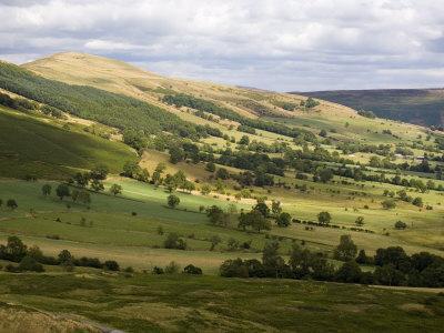 Hollins Cross and Lose Hill Ridge, Castleton, Peak District National Park, Derbyshire, England