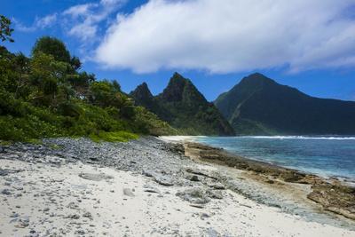 https://imgc.allpostersimages.com/img/posters/white-sand-beach-at-ofu-island-manu-a-island-group-american-samoa-south-pacific_u-L-Q12T0GR0.jpg?p=0