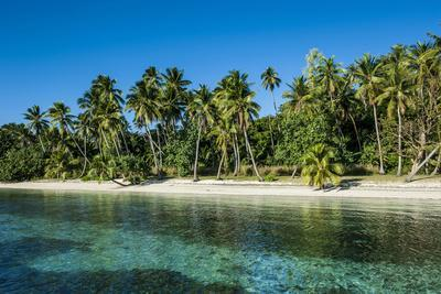 https://imgc.allpostersimages.com/img/posters/white-sand-beach-nanuya-lailai-island-blue-lagoon-yasawa-fiji-south-pacific_u-L-Q12T7UU0.jpg?p=0