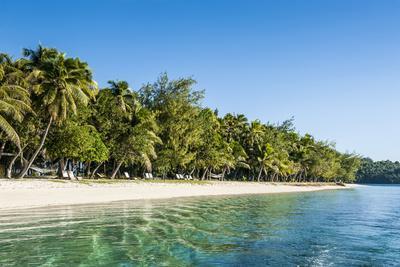 https://imgc.allpostersimages.com/img/posters/white-sand-beach-nanuya-lailai-island-the-blue-lagoon-yasawa-fiji-south-pacific_u-L-Q12T7RL0.jpg?p=0