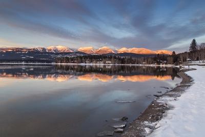 https://imgc.allpostersimages.com/img/posters/whitefish-lake-reflecting-big-mountain-in-winter-sunset-montana-usa_u-L-PN6M9Z0.jpg?artPerspective=n