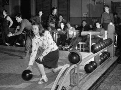 Dubutantes with Bowling with their Dates