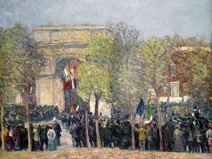 Washington Square, 1918 by William James Glackens