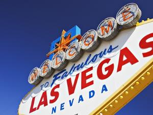 Welcome to Las Vegas Sign by William Manning