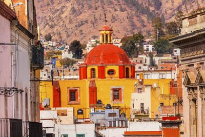 Basilica Templo De Belen, Guanajuato, Mexico. by William Perry