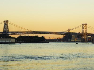 https://imgc.allpostersimages.com/img/posters/williamsburg-bridge-and-the-east-river-new-york-city-new-york-usa_u-L-P1KCJQ0.jpg?p=0
