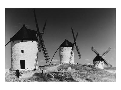 https://imgc.allpostersimages.com/img/posters/windmills-in-consuegra-spain_u-L-F74SGC0.jpg?p=0