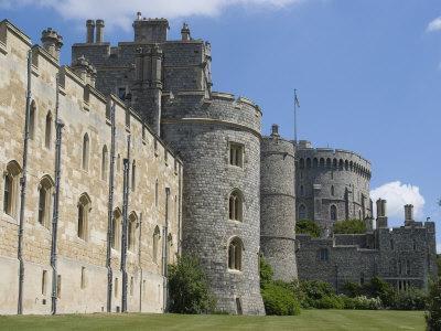https://imgc.allpostersimages.com/img/posters/windsor-castle-windsor-berkshire-england-united-kingdom-europe_u-L-P91CR30.jpg?artPerspective=n