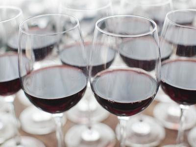 https://imgc.allpostersimages.com/img/posters/wine-tasting-bodega-marques-de-riscal-winery-elciego-basque-country-region-spain_u-L-PHAUAH0.jpg?artPerspective=n