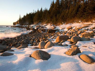 https://imgc.allpostersimages.com/img/posters/winter-sunrise-in-monument-cove-acadia-national-park-maine-usa_u-L-P49U2N0.jpg?p=0