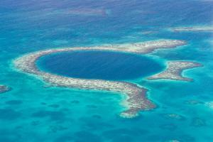 The Great Blue Hole by wollertz