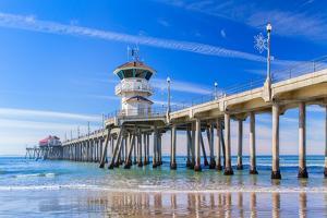 The Huntington Beach Pier by Wolterk
