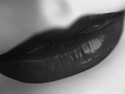 https://imgc.allpostersimages.com/img/posters/woman-s-lips_u-L-PZLJJX0.jpg?artPerspective=n