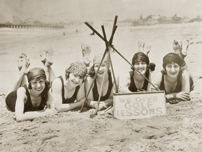https://imgc.allpostersimages.com/img/posters/women-on-a-beach-in-california-1927_u-L-Q10U3TJ0.jpg?p=0