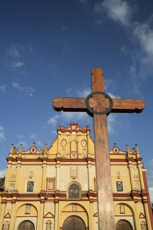 https://imgc.allpostersimages.com/img/posters/wooden-cross-in-front-of-the-cathedral-of-san-cristobal_u-L-PNFW4P0.jpg?artPerspective=n
