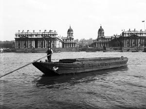 Wooden Lighter and Topsail Barges on the Thames at Greenwich, London, C1905