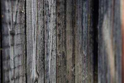 https://imgc.allpostersimages.com/img/posters/wooden-wall-of-a-wooden-small-house-in-sweden-close-up_u-L-Q1EXT710.jpg?artPerspective=n