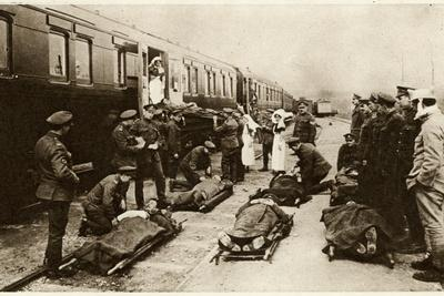 https://imgc.allpostersimages.com/img/posters/wounded-soldiers-returning-home_u-L-Q107LUJ0.jpg?p=0