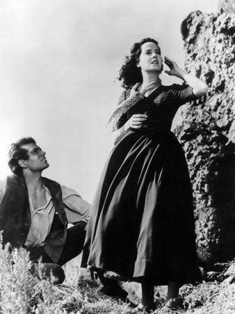 https://imgc.allpostersimages.com/img/posters/wuthering-heights-laurence-olivier-merle-oberon-1939_u-L-Q12PCUQ0.jpg?artPerspective=n