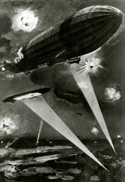 WW1 - Zeppelins Raiding over Paris, France, 1915