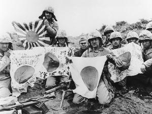 WWII U.S. Marines Capture Flags